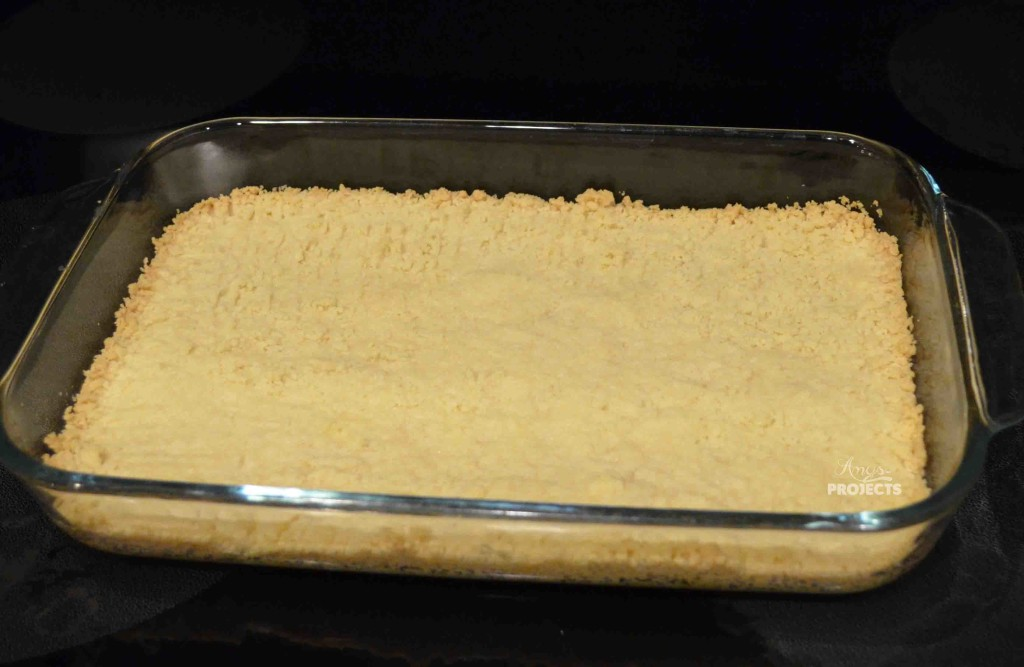 Delicious lemon bars with just the right amount of lemony tartness on a shortbread crust.